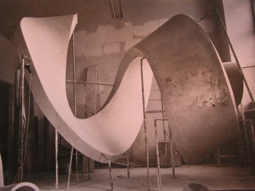 Bau der Spirale 1970-1972 | Spirale in Gips Urform 2a